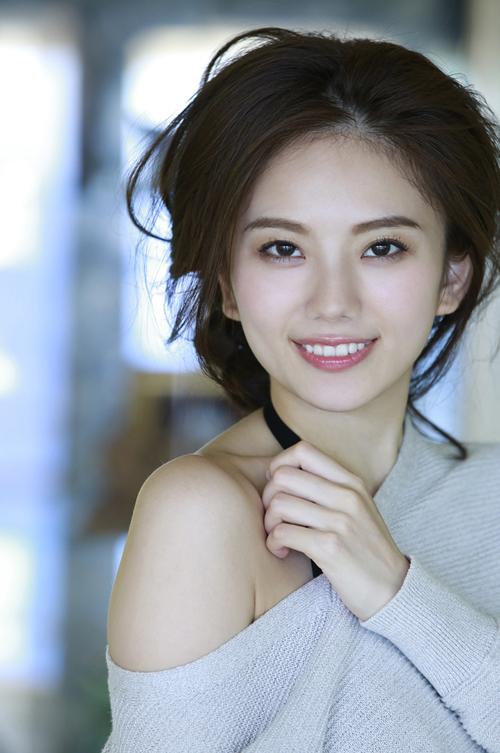 伊東紗冶子(23)Gカップキャスターの水着グラビア画像116枚・89枚目の画像