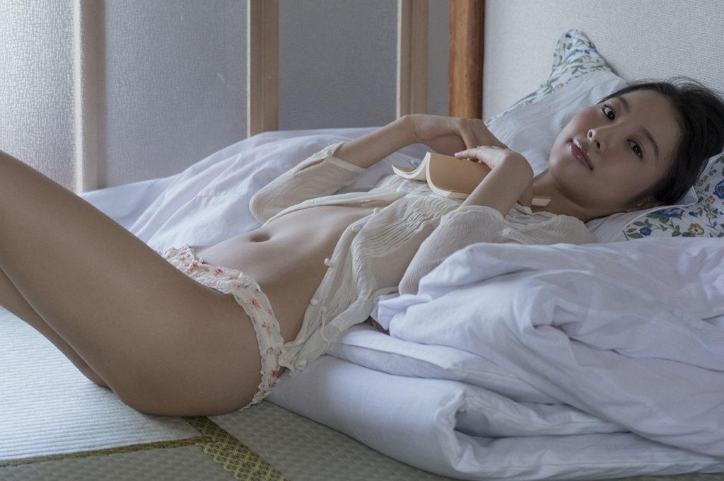 山下永夏(23)貧乳スレンダー美女の最新グラビアエロ画像32枚・14枚目の画像