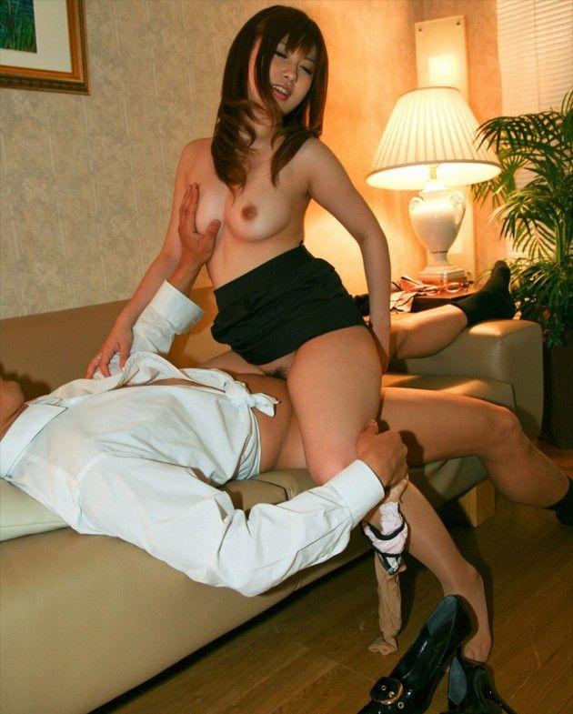 ミニスカ女子との着衣ハメセックスエロ画像30枚・19枚目の画像