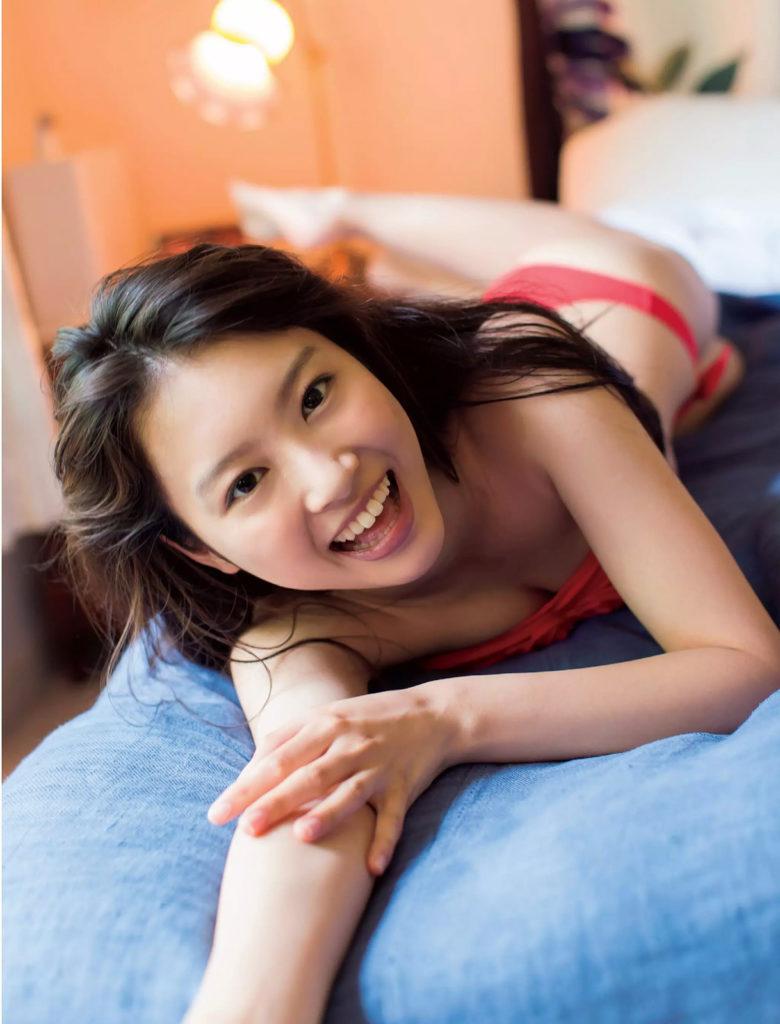 山下永夏(23)貧乳スレンダー美女の最新グラビアエロ画像32枚・25枚目の画像