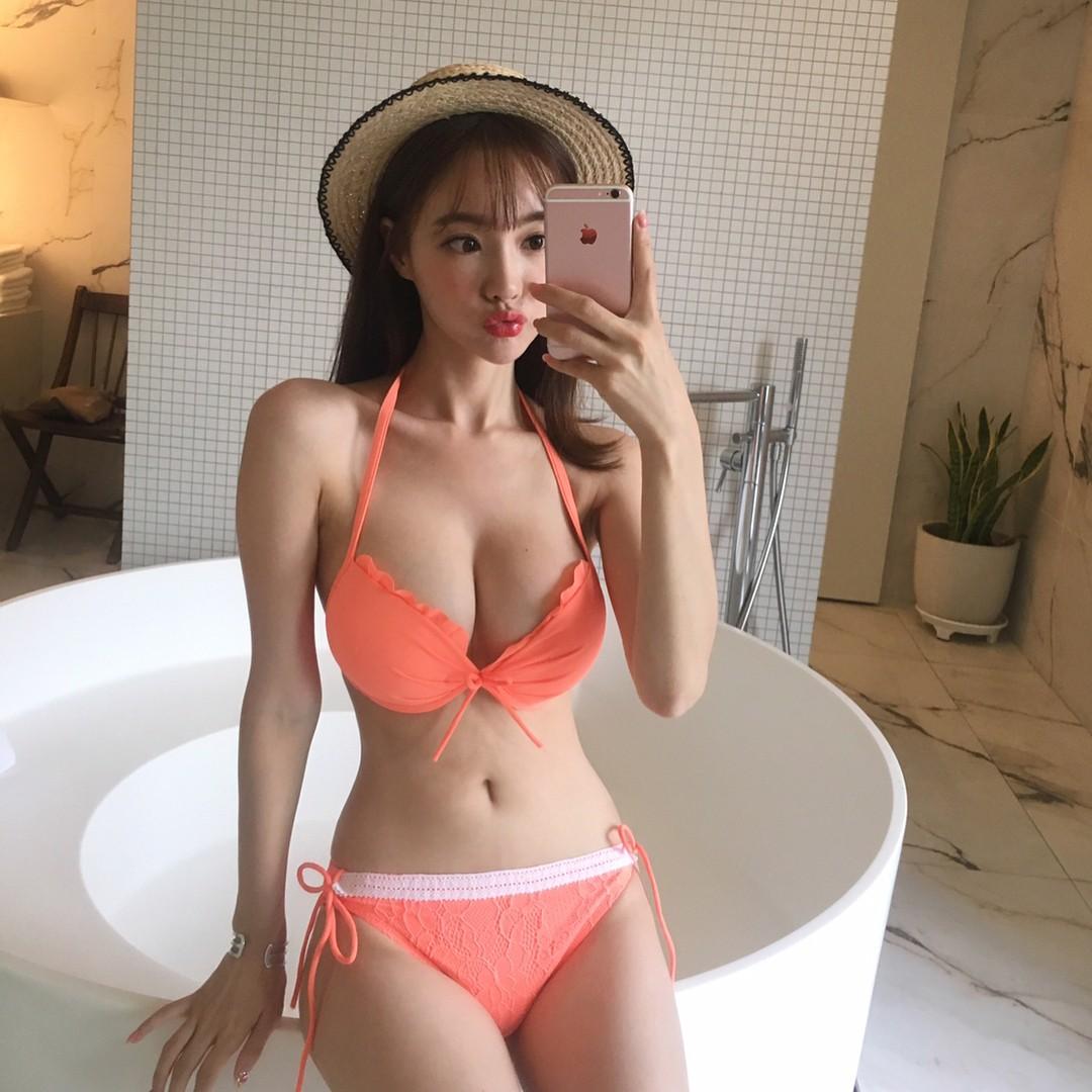 豊胸万歳!韓国美女の着衣巨乳&インスタ自撮りエロ画像65枚・39枚目の画像