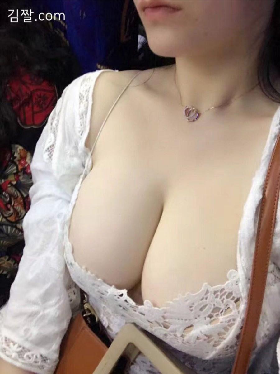 豊胸万歳!韓国美女の着衣巨乳&インスタ自撮りエロ画像97枚・70枚目の画像