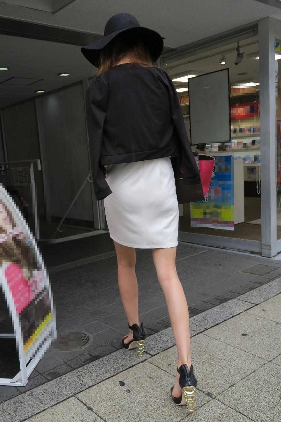 急に飛び込んでくる街中で見る美脚女子のエロ画像33枚・7枚目の画像