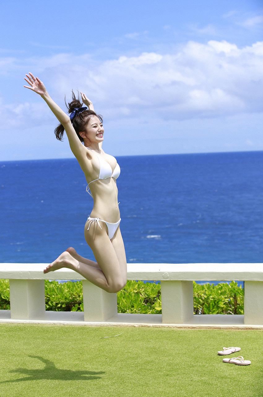 伊東紗冶子(23)Gカップキャスターの水着グラビア画像116枚・101枚目の画像