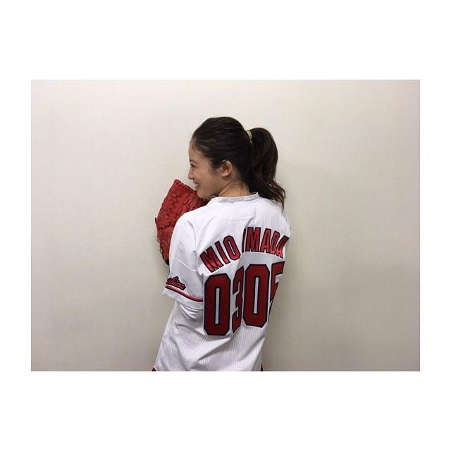 今田美桜(20)の水着グラビア&始球式パンチラエロ画像73枚・63枚目の画像