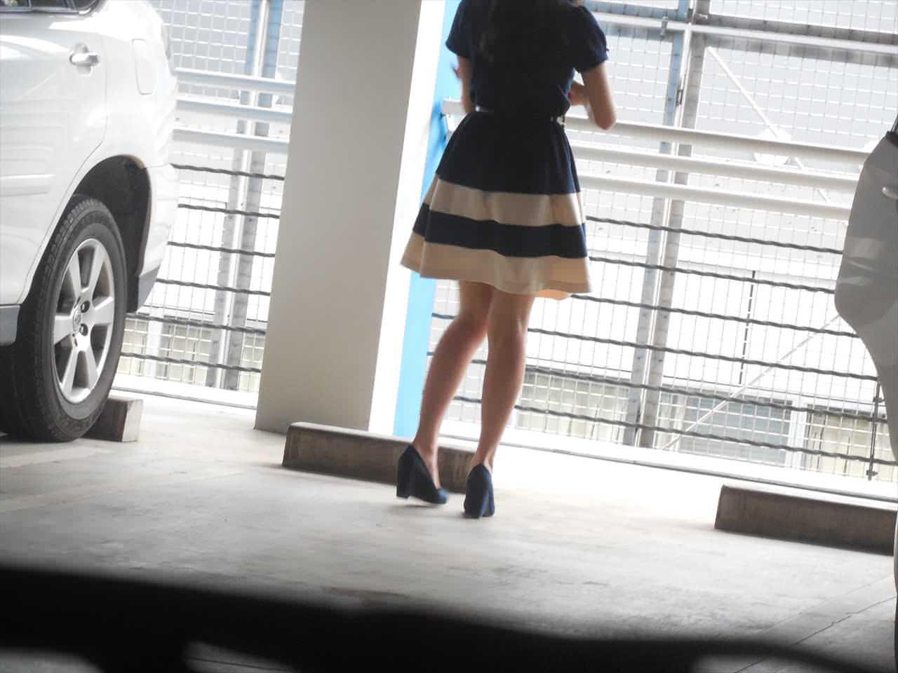 急に飛び込んでくる街中で見る美脚女子のエロ画像33枚・14枚目の画像