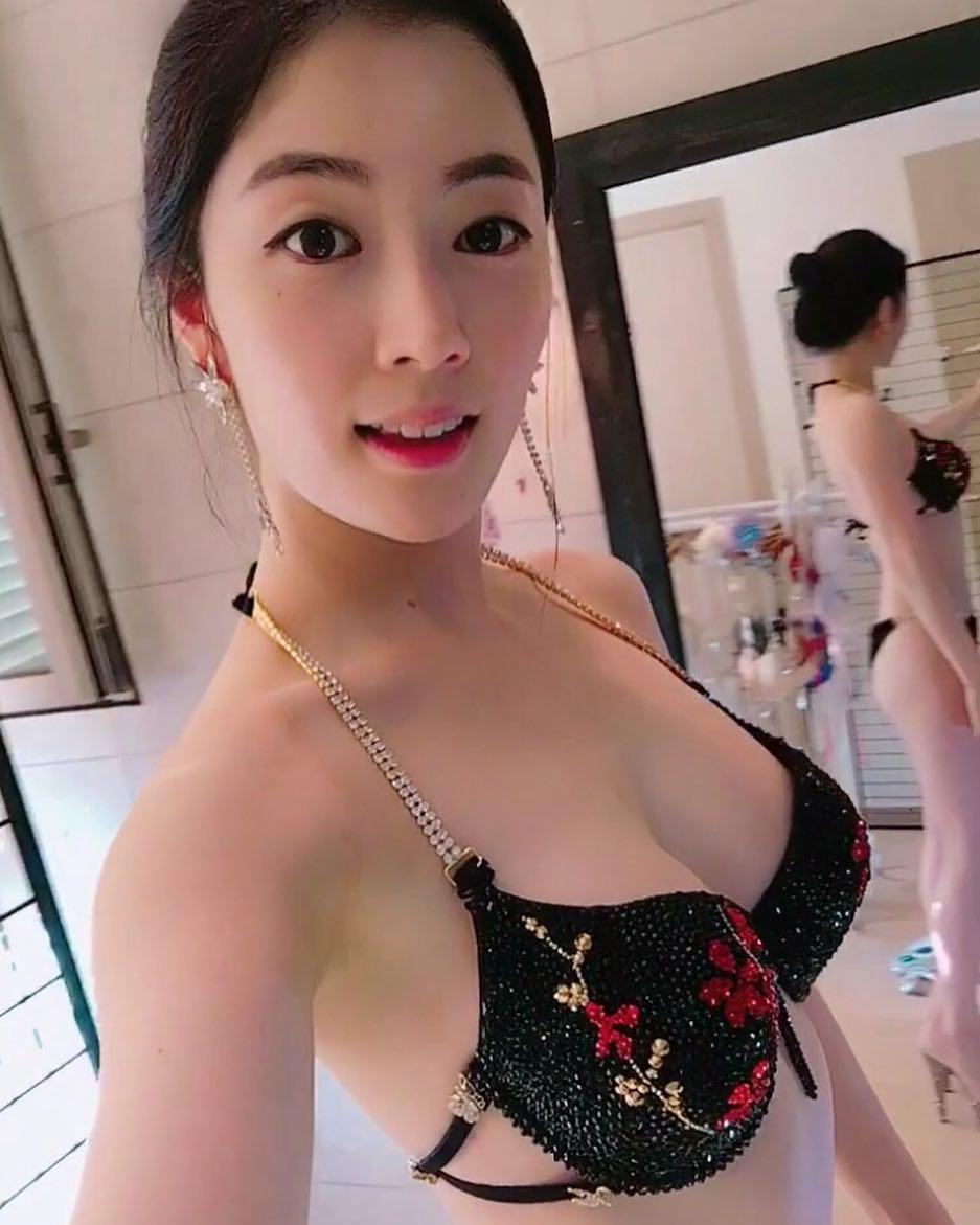 豊胸万歳!韓国美女の着衣巨乳&インスタ自撮りエロ画像65枚・54枚目の画像