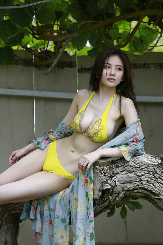 伊東紗冶子(23)Gカップキャスターの水着グラビア画像116枚・109枚目の画像