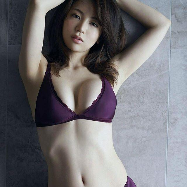 【逸材】仲村美海(25)の新人初グラビアエロ画像96枚・99枚目の画像