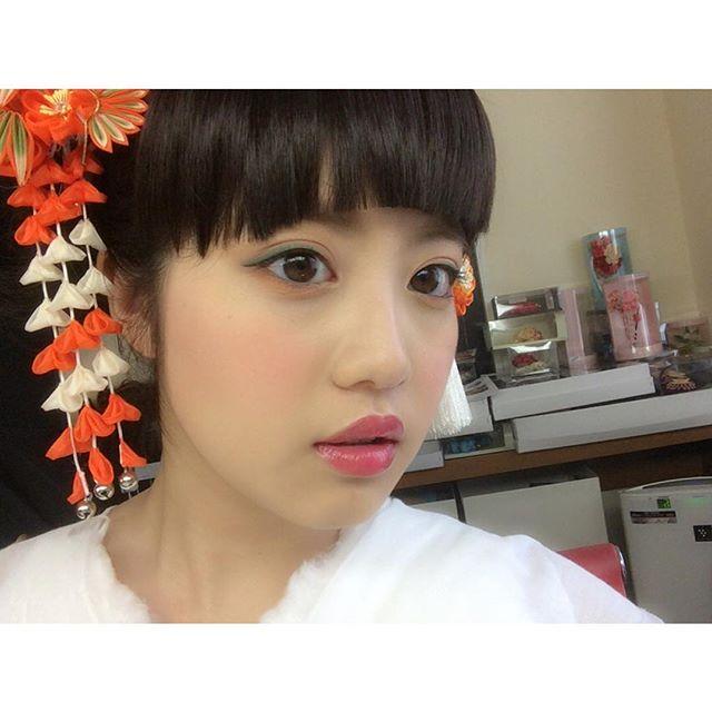 今田美桜(20)の水着グラビア&始球式パンチラエロ画像73枚・69枚目の画像