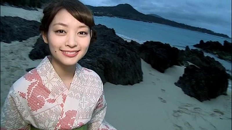 里々佳(22)Eカップ巨乳美女の水着グラビアエロ画像160枚・24枚目の画像
