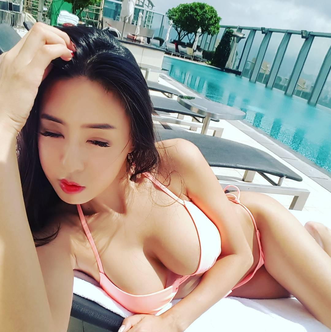 豊胸万歳!韓国美女の着衣巨乳&インスタ自撮りエロ画像65枚・64枚目の画像