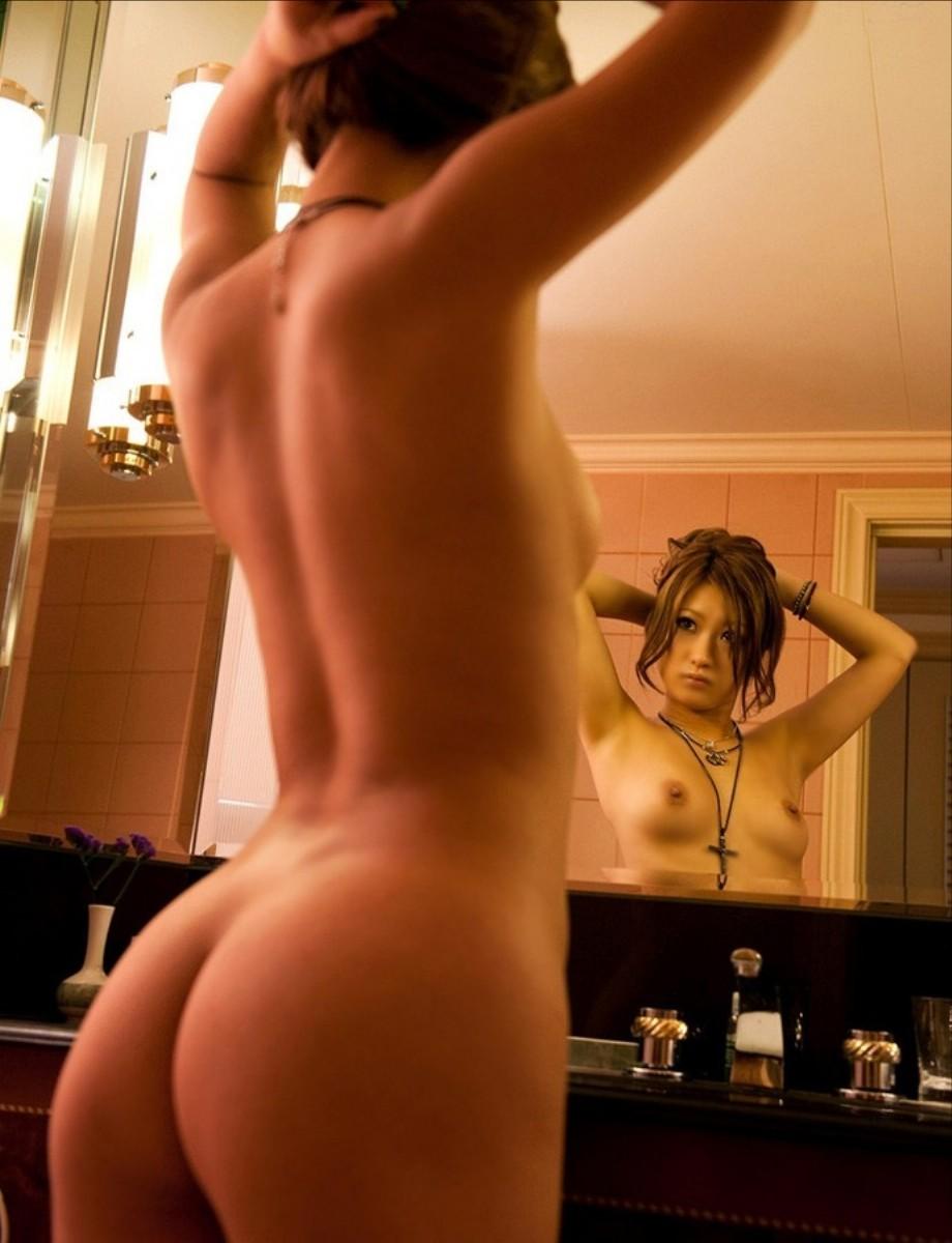 洗面所で卑猥なことしてるエロ画像33枚・26枚目の画像