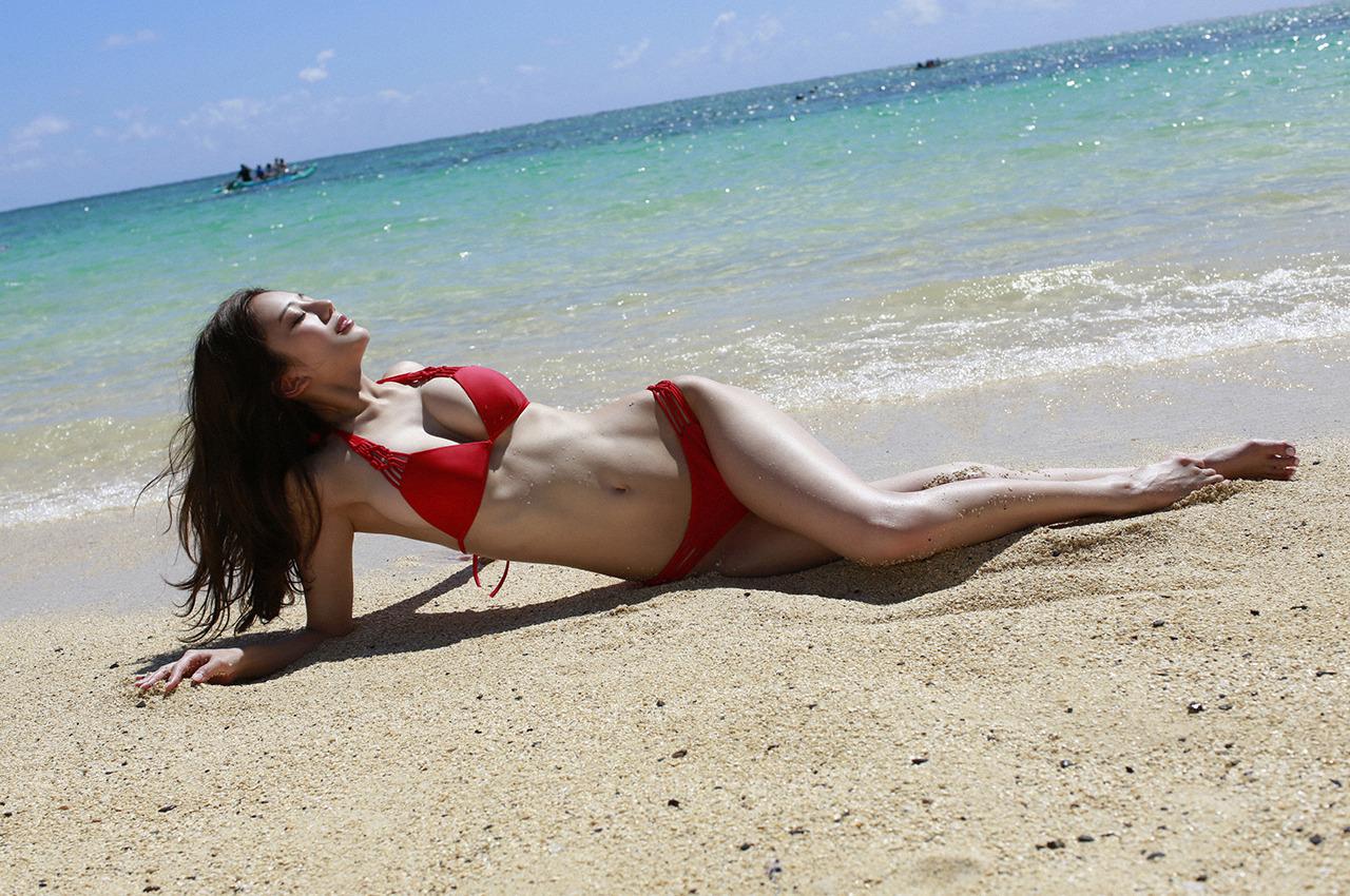 伊東紗冶子(23)Gカップキャスターの水着グラビア画像116枚・129枚目の画像