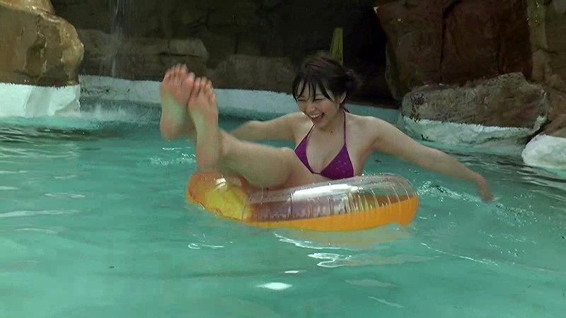里々佳(22)Eカップ巨乳美女の水着グラビアエロ画像160枚・82枚目の画像