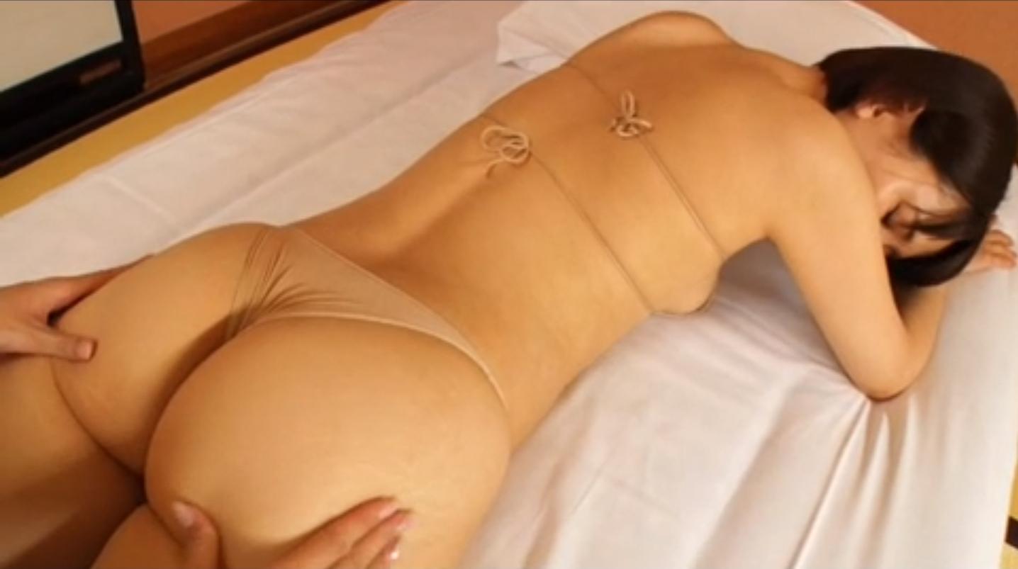 朝比奈祐未(25)のGカップ美尻が拝めるグラビアエロ画像100枚・85枚目の画像