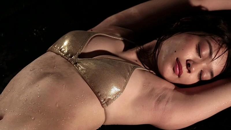 里々佳(22)Eカップ巨乳美女の水着グラビアエロ画像160枚・96枚目の画像