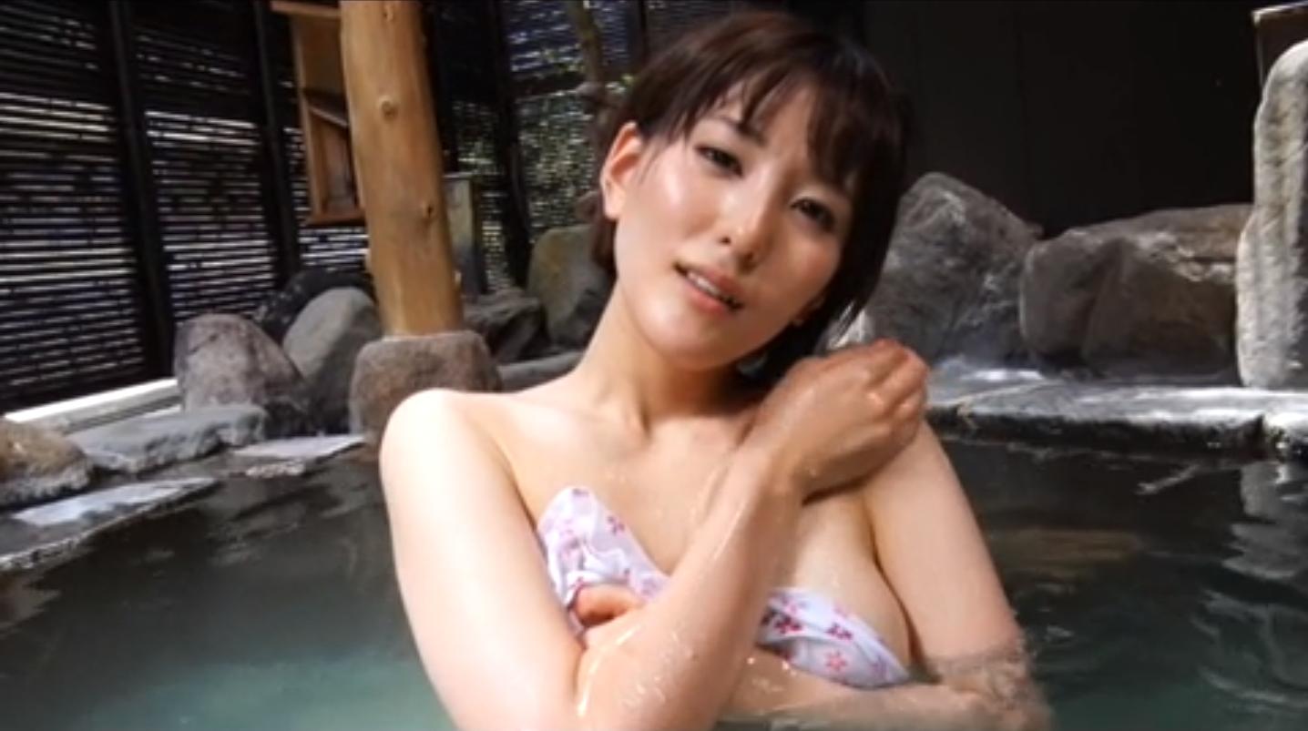 朝比奈祐未(25)のGカップ美尻が拝めるグラビアエロ画像100枚・104枚目の画像