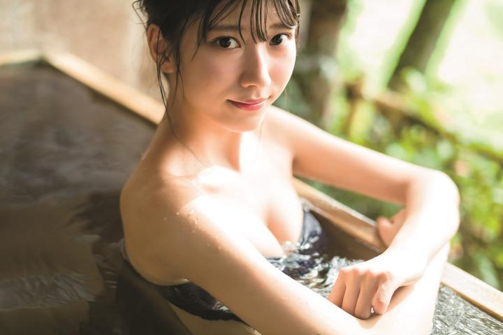 山広美保子(20)黒髪細身美少女の水着グラビアエロ画像35枚・3枚目の画像