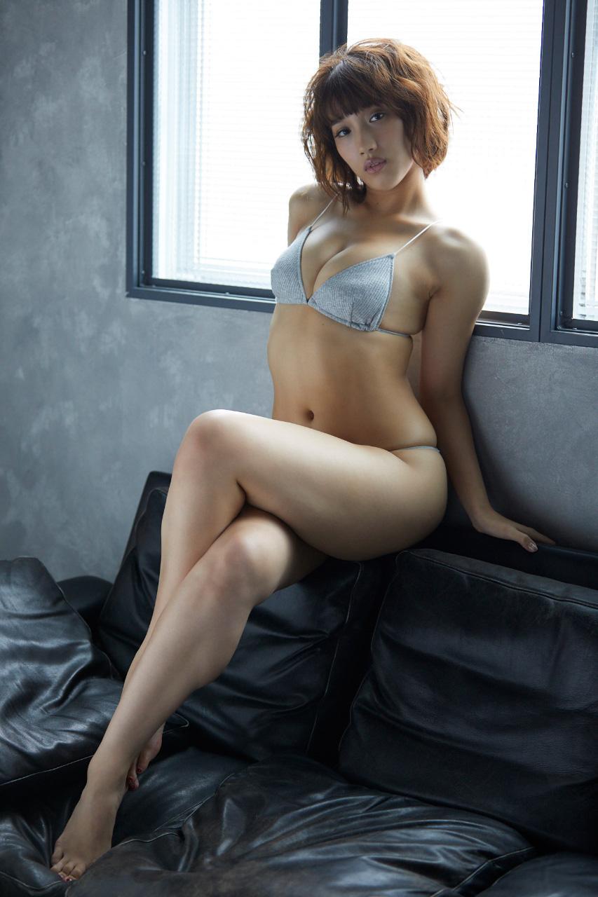 岡田サリオ(24)の超美尻!大開脚グラビアエロ画像50枚・11枚目の画像