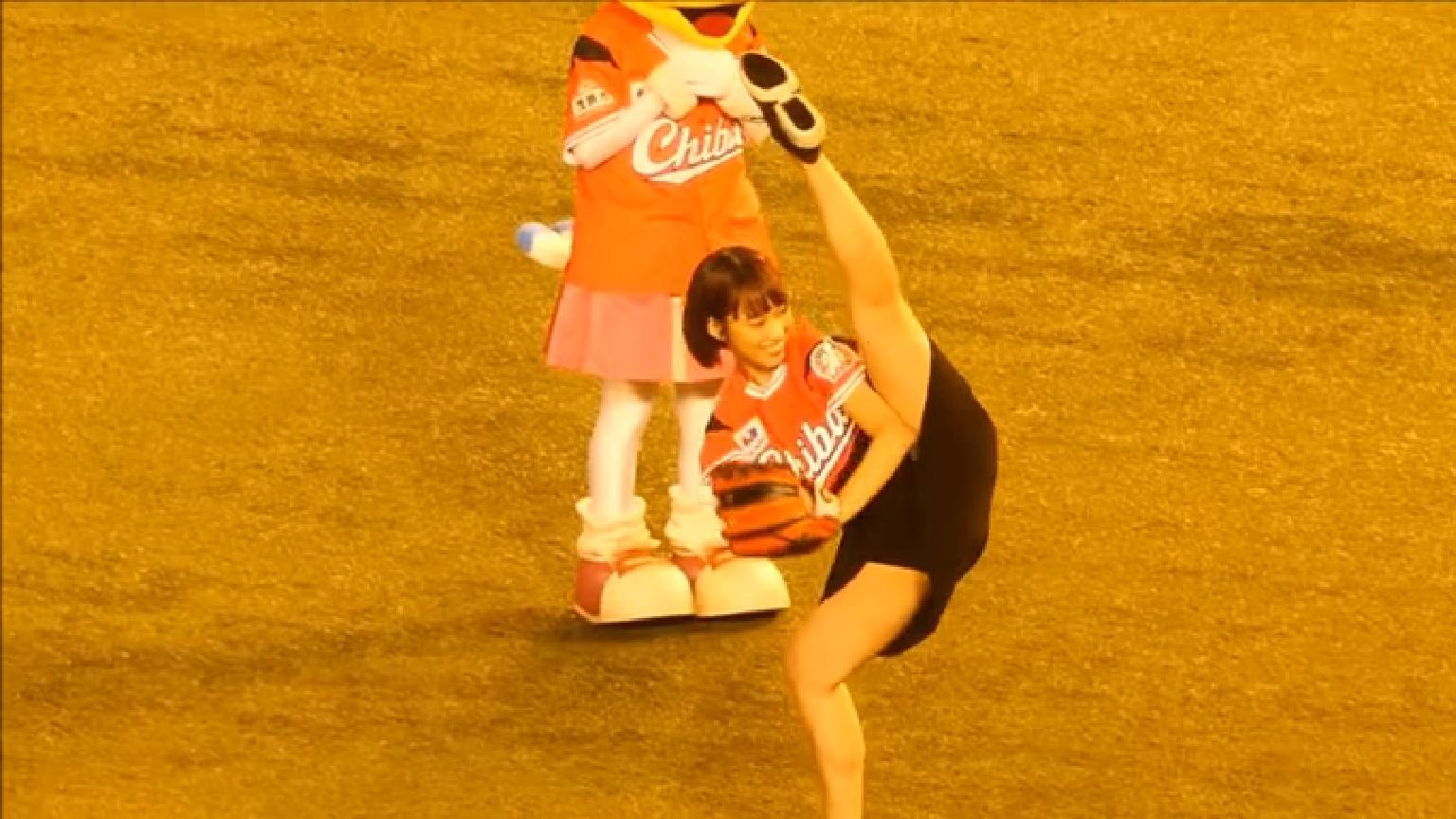 岡田サリオ(24)の超美尻!大開脚グラビアエロ画像50枚・39枚目の画像