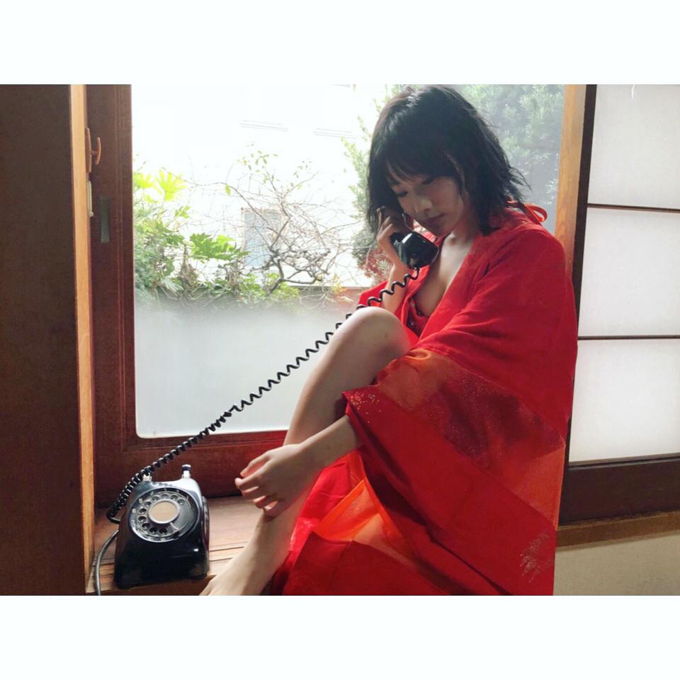 城恵理子(19)乳首丸出しオフショット&水着グラビア画像50枚・3枚目の画像