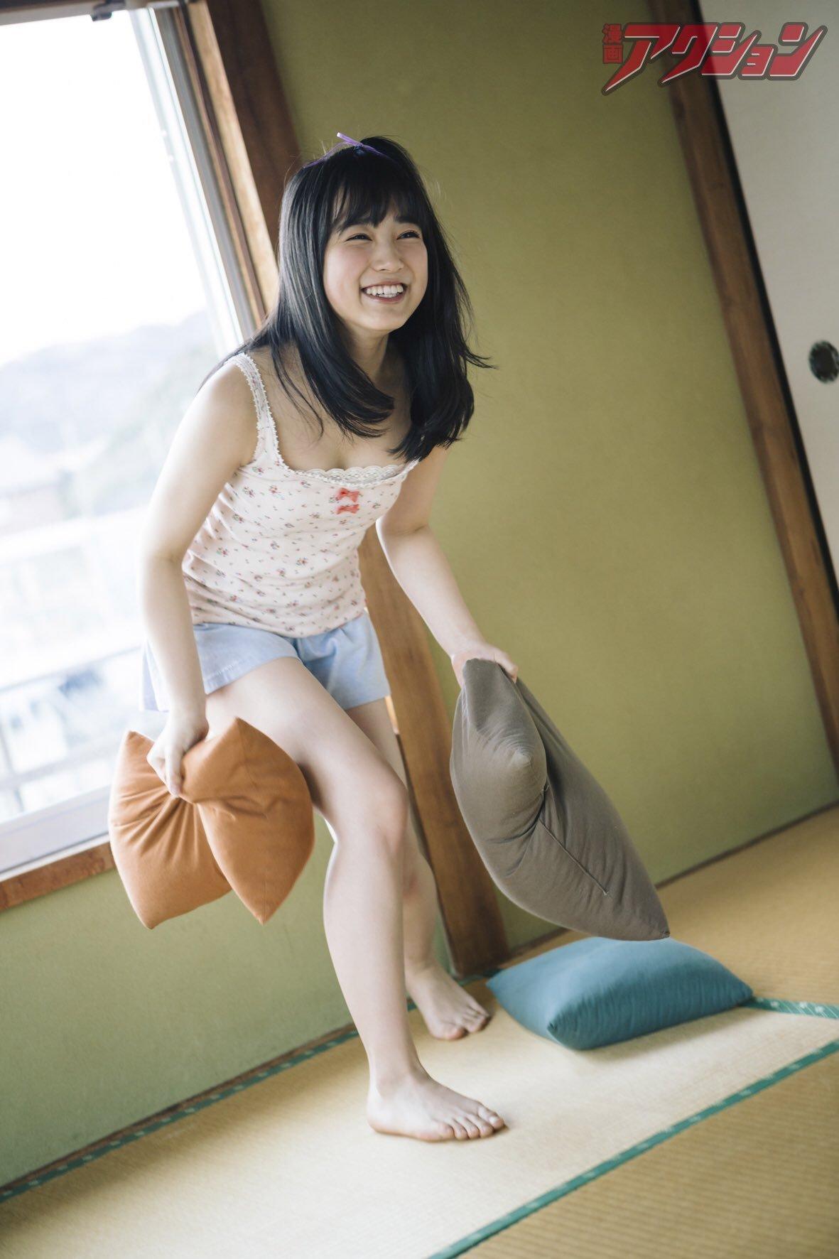 HKT48矢吹奈子(16)の胸チラ、水着グラビアエロ画像34枚・6枚目の画像