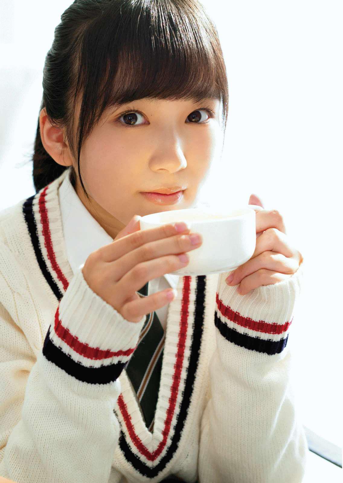 HKT48矢吹奈子(16)の胸チラ、水着グラビアエロ画像34枚・9枚目の画像