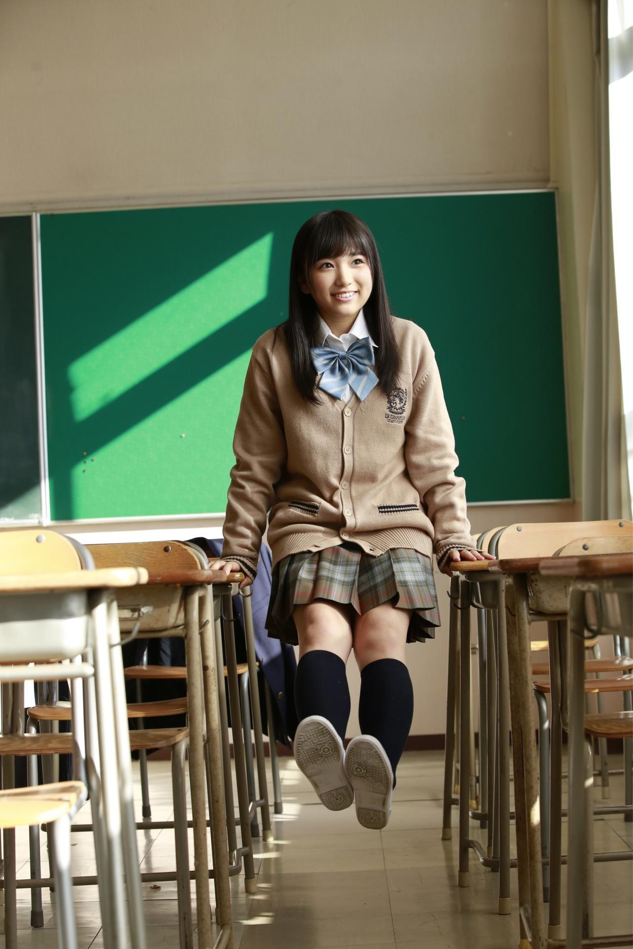 HKT48矢吹奈子(16)の胸チラ、水着グラビアエロ画像34枚・11枚目の画像