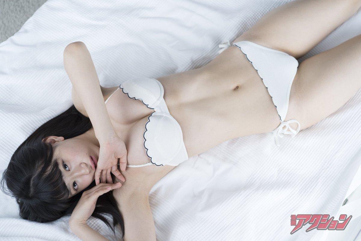 NMB48上西怜(16)Fカップが抜ける水着グラビアエロ画像40枚・13枚目の画像