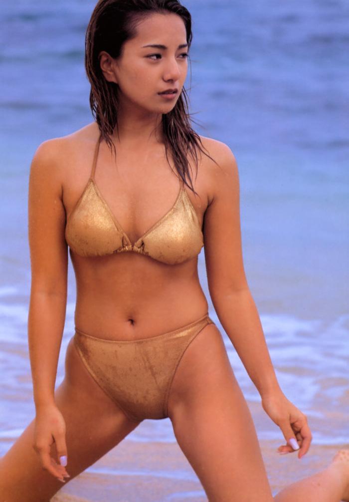 三船美佳(35)の背中ヌードや抜ける水着グラビアエロ画像65枚・15枚目の画像