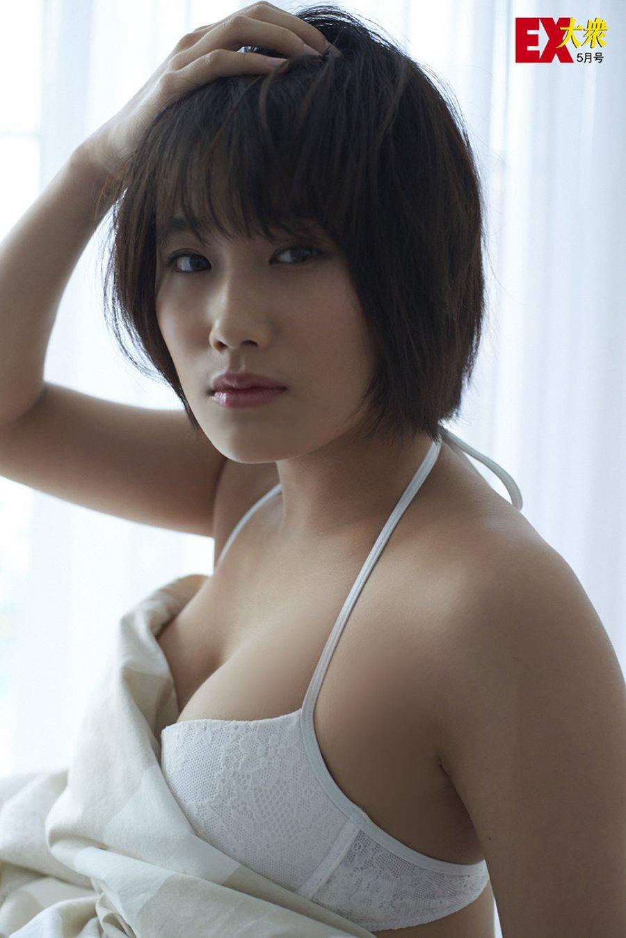 城恵理子(19)乳首丸出しオフショット&水着グラビア画像50枚・20枚目の画像