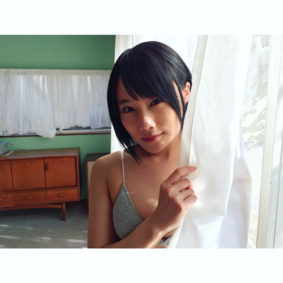 城恵理子(19)乳首丸出しオフショット&水着グラビア画像50枚・22枚目の画像