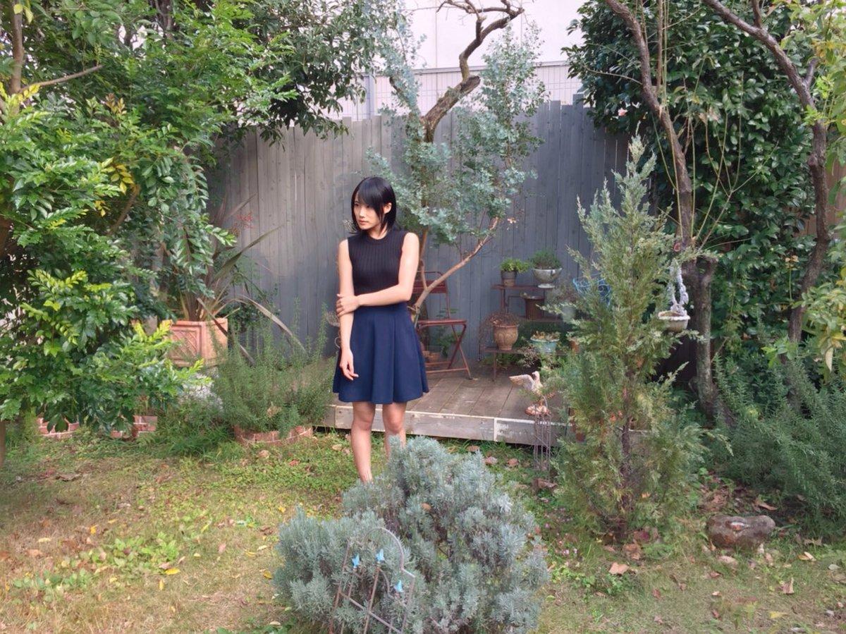 城恵理子(19)乳首丸出しオフショット&水着グラビア画像50枚・29枚目の画像
