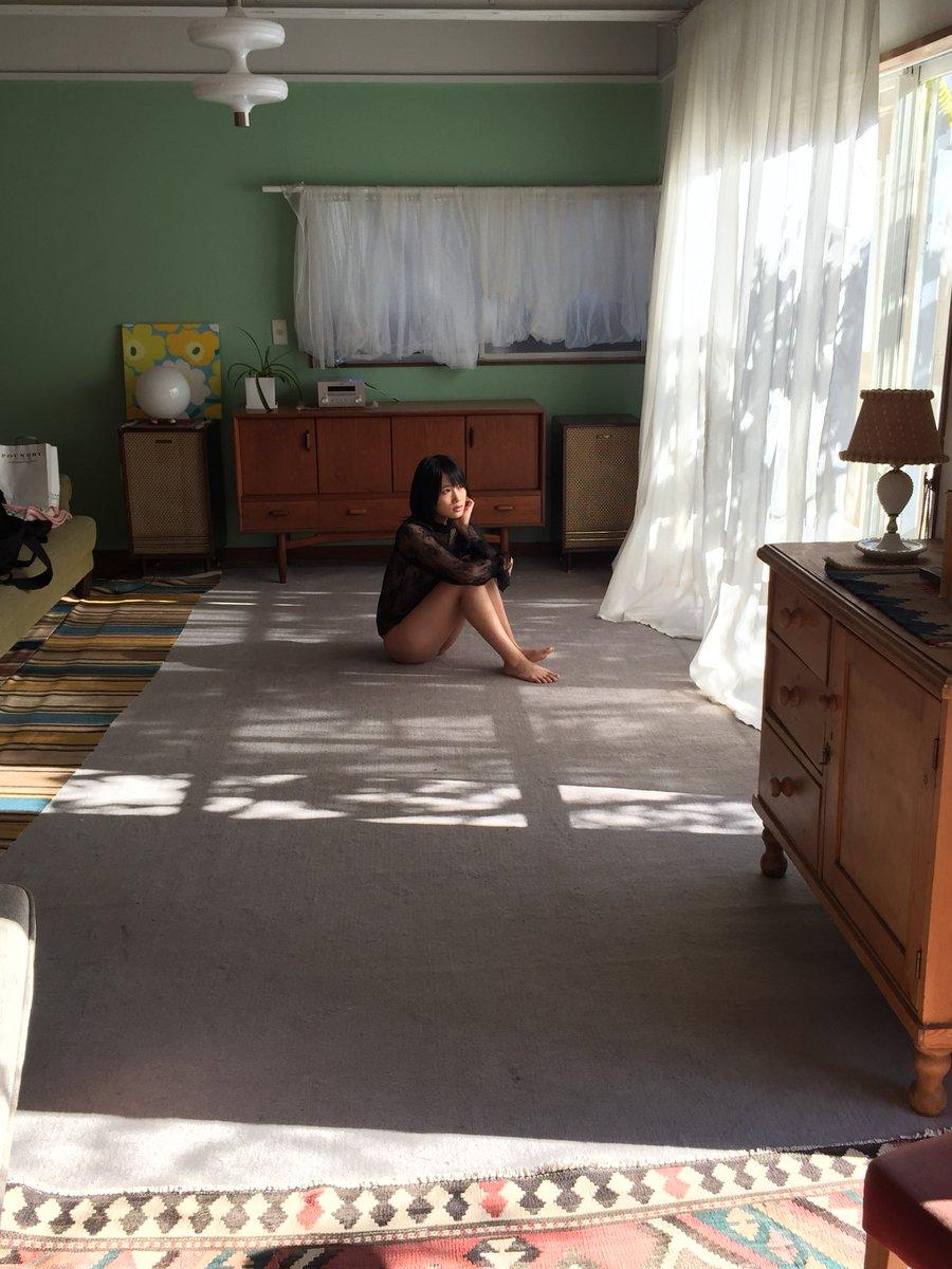城恵理子(19)乳首丸出しオフショット&水着グラビア画像50枚・30枚目の画像