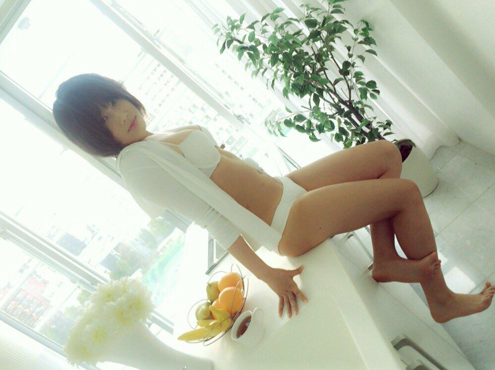 城恵理子(19)乳首丸出しオフショット&水着グラビア画像50枚・49枚目の画像