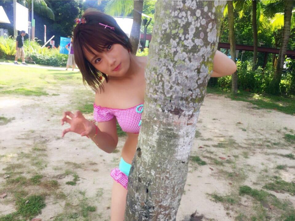城恵理子(19)乳首丸出しオフショット&水着グラビア画像50枚・54枚目の画像