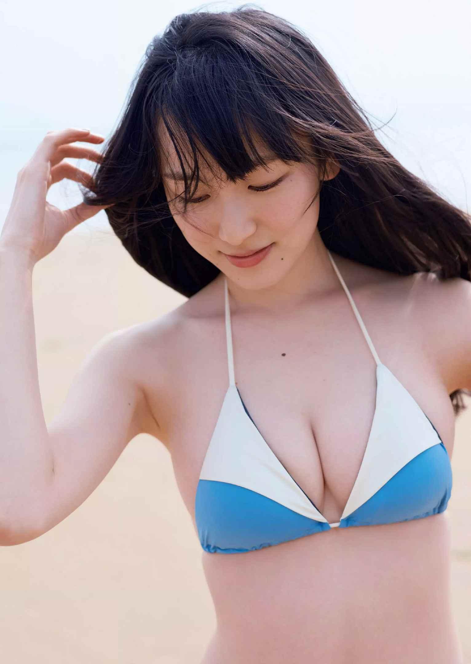 宮下かな子(22)の初水着グラビアが抜けるエロ画像33枚・5枚目の画像