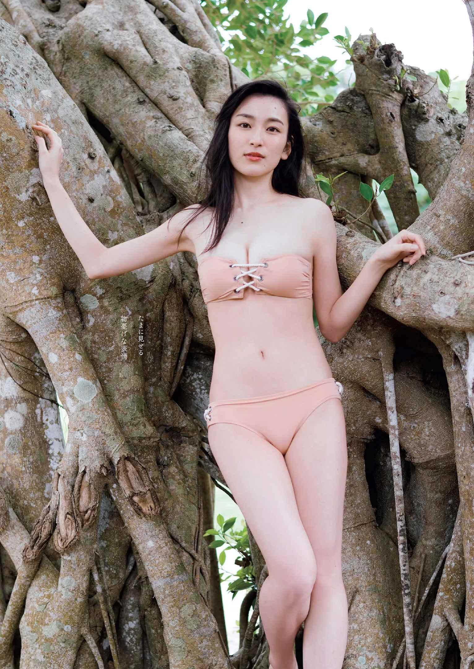 宮下かな子(22)の初水着グラビアが抜けるエロ画像33枚・6枚目の画像