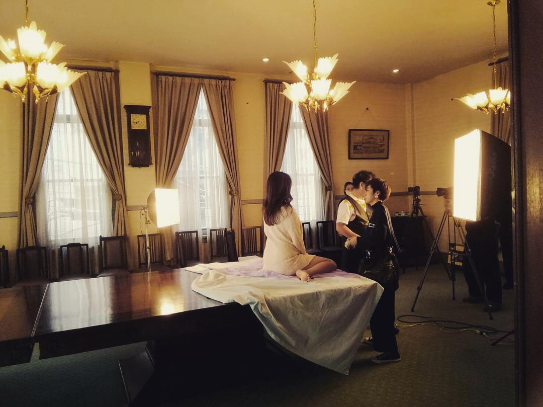 鈴木ミレイ(29)銀座の現役ママの爆乳ヌードグラビア画像50枚・6枚目の画像