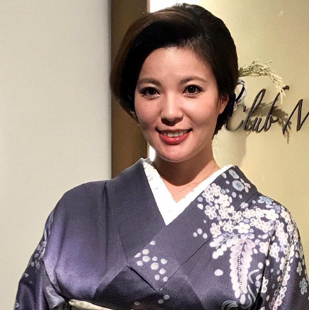鈴木ミレイ(29)銀座の現役ママの爆乳ヌードグラビア画像50枚・8枚目の画像