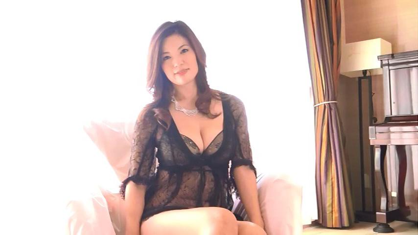 鈴木ミレイ(29)銀座の現役ママの爆乳ヌードグラビア画像50枚・12枚目の画像