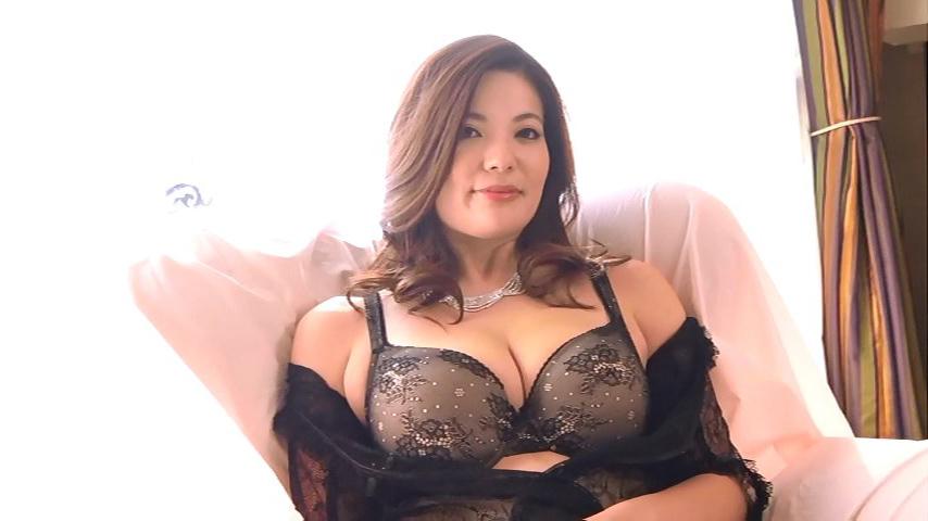 鈴木ミレイ(29)銀座の現役ママの爆乳ヌードグラビア画像50枚・13枚目の画像