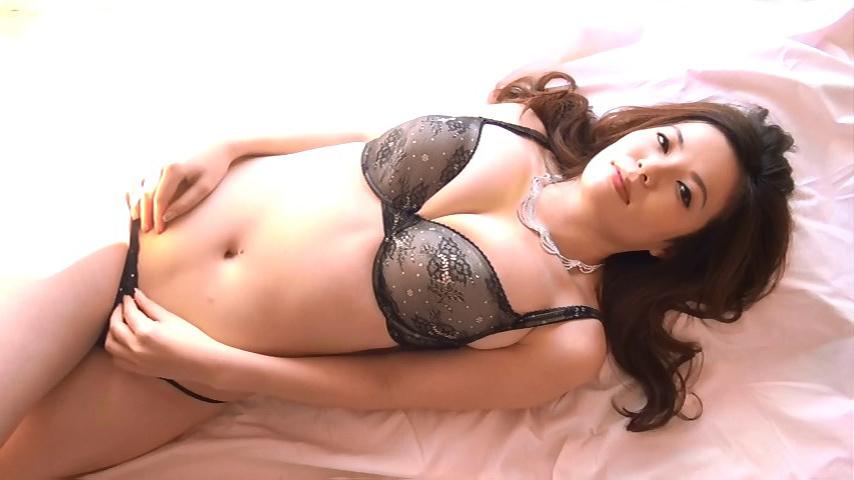 鈴木ミレイ(29)銀座の現役ママの爆乳ヌードグラビア画像50枚・14枚目の画像