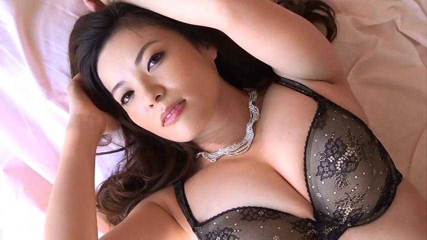 鈴木ミレイ(29)銀座の現役ママの爆乳ヌードグラビア画像50枚・16枚目の画像