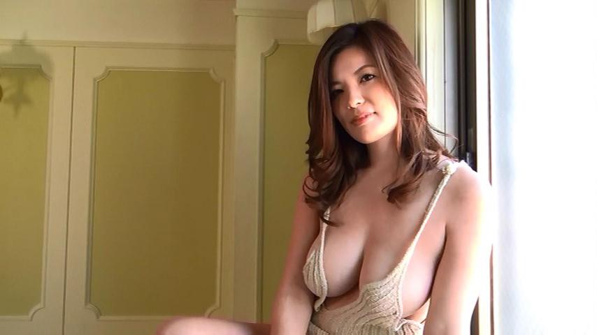 鈴木ミレイ(29)銀座の現役ママの爆乳ヌードグラビア画像50枚・19枚目の画像