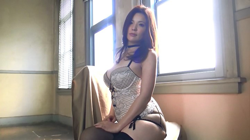 鈴木ミレイ(29)銀座の現役ママの爆乳ヌードグラビア画像50枚・41枚目の画像