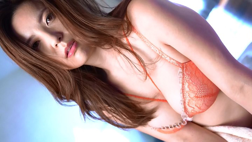 鈴木ミレイ(29)銀座の現役ママの爆乳ヌードグラビア画像50枚・57枚目の画像