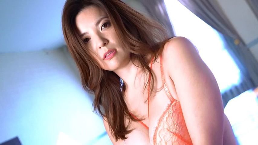 鈴木ミレイ(29)銀座の現役ママの爆乳ヌードグラビア画像50枚・58枚目の画像