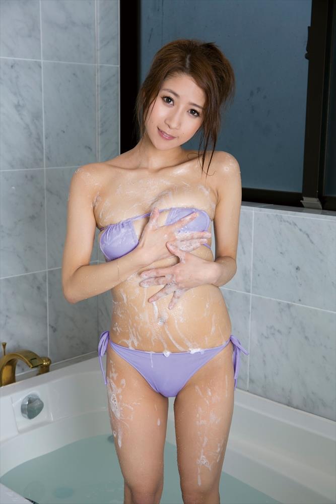 児玉菜々子(30)マンスジ披露の最新イメージDVD画像100枚・86枚目の画像